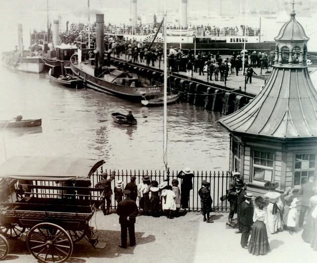 16halfpenny pier