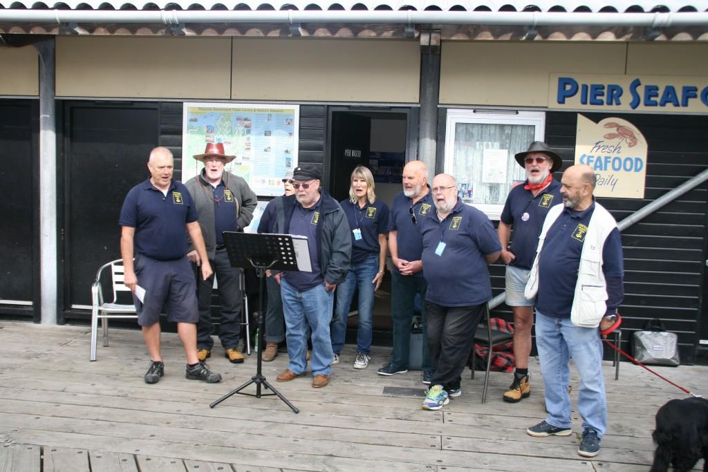 Naze shanty Crew on Ha'Penny Pier