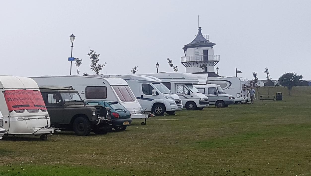 Campervan & Caravan Parking